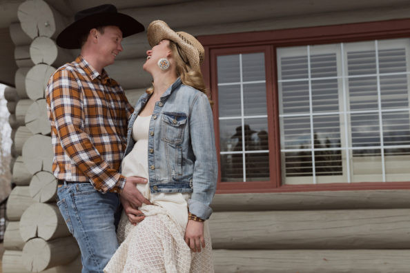 Western-style maternity photoshoot